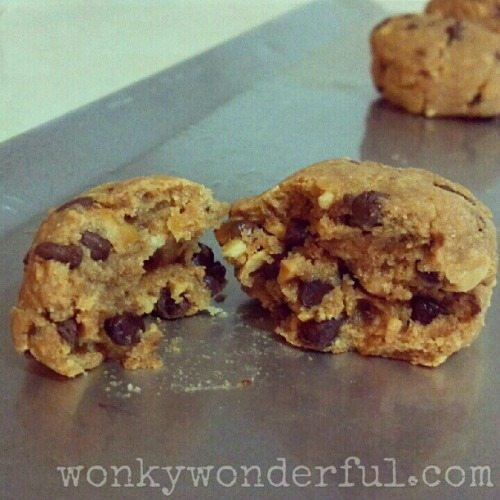 4 Ingredient Peanut Butter-Chocolate Chip Cookies!
