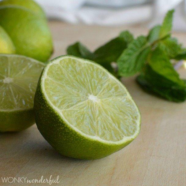 Healthy Mojito Smoothie Recipe - Lime and Mint - wonkywonderful.com