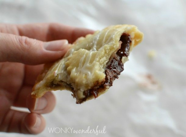 Nutella and Cherry Hand Pies - Valentine's Day Dessert Recipe -Heart Pie - wonkywonderful.com