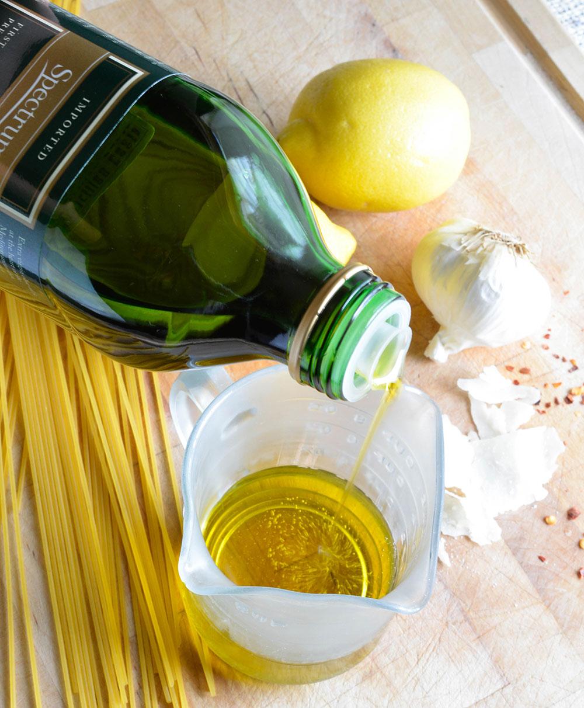 Lemon Garlic Pasta Recipe A Simple Dinner Idea Or Filling Side Dish Pasta Tossed