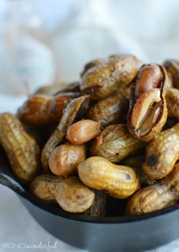 Spicy Cajun Boiled Peanuts Recipe - Southern Food - wonkywonderful.com