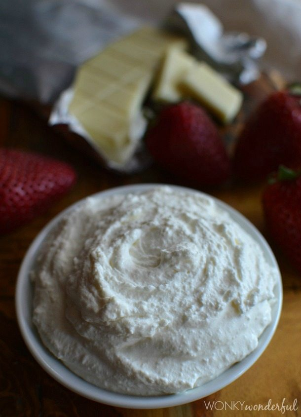 White Chocolate Whipped Cream Dip - Dessert Dip Recipe - Fruit Dip - 2 Ingredients - wonkywonderful.com