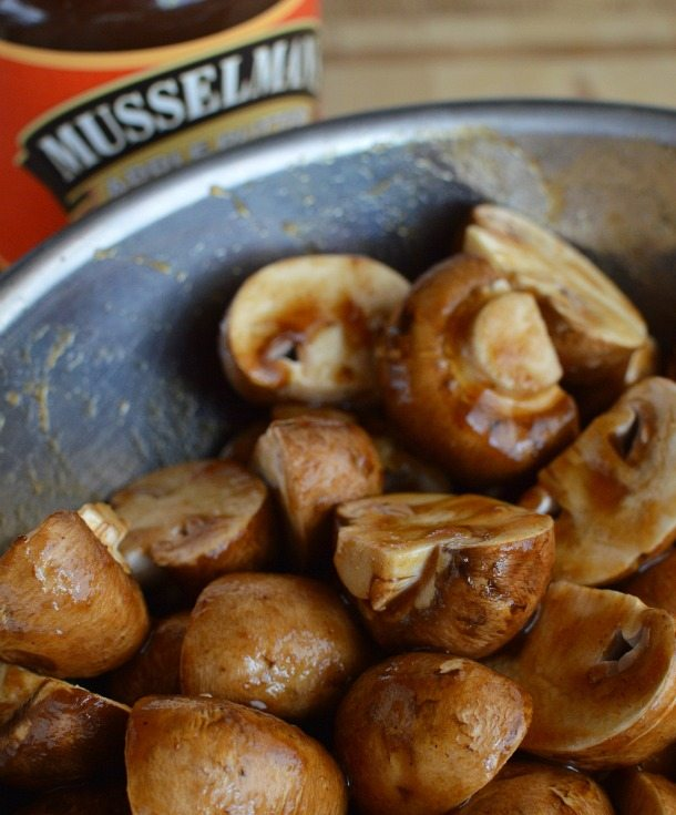 Sweet and Sour Barbecue Sauce Recipe : barbeque : bbq : grilled pork chops and mushrooms