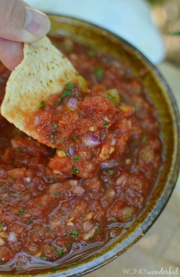 Easy Salsa Recipe : Restaurant Style Salsa : appetizer : dip #SparkleWithDASANI