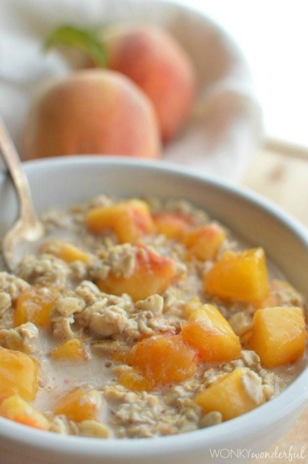 Peaches-and-Cream-No-Cook-Oatmeal-wonkywonderful.com