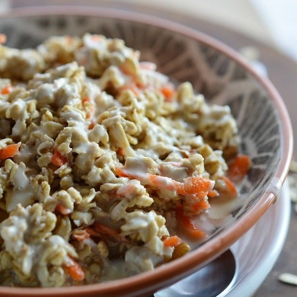 Carrot Cake Overnight Oats Recipe - This no cook oatmeal is a fantastic healthy and easy breakfast!