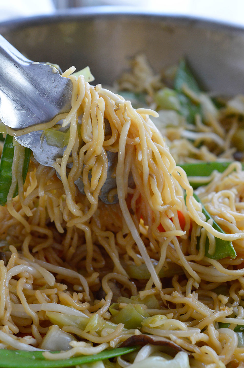 Easy chow mein recipe wonkywonderful this easy chow mein recipe is how to make chow mein noodles at home with forumfinder Choice Image