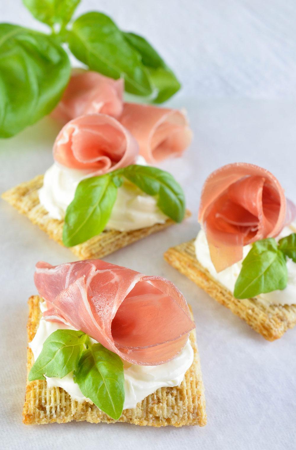 Easy Snack Recipe With Prosciutto, Basil & Mascarpone