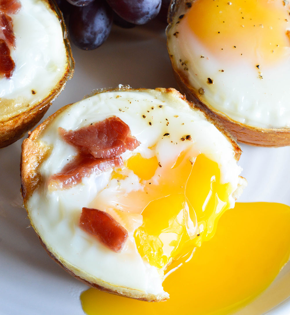 Bacon and egg breakfast cups wonkywonderful bacon and egg breakfast cups this easy breakfast recipe is made with 3 ingredients forumfinder Image collections
