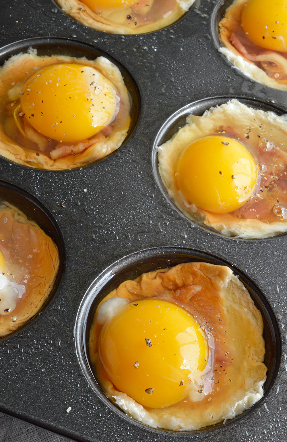 Bacon and Egg Breakfast Cups - WonkyWonderful