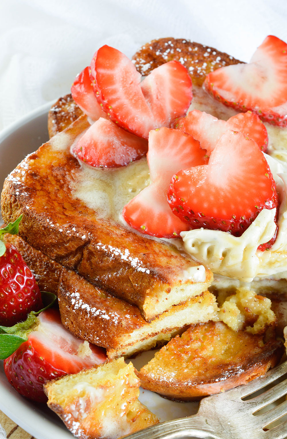 Start Your Day In The Best Possible Way With This Easy Baked French Toast  Recipe! Oven Baked French Toast Topped With Vanilla Mascarpone, Maple Syrup  And