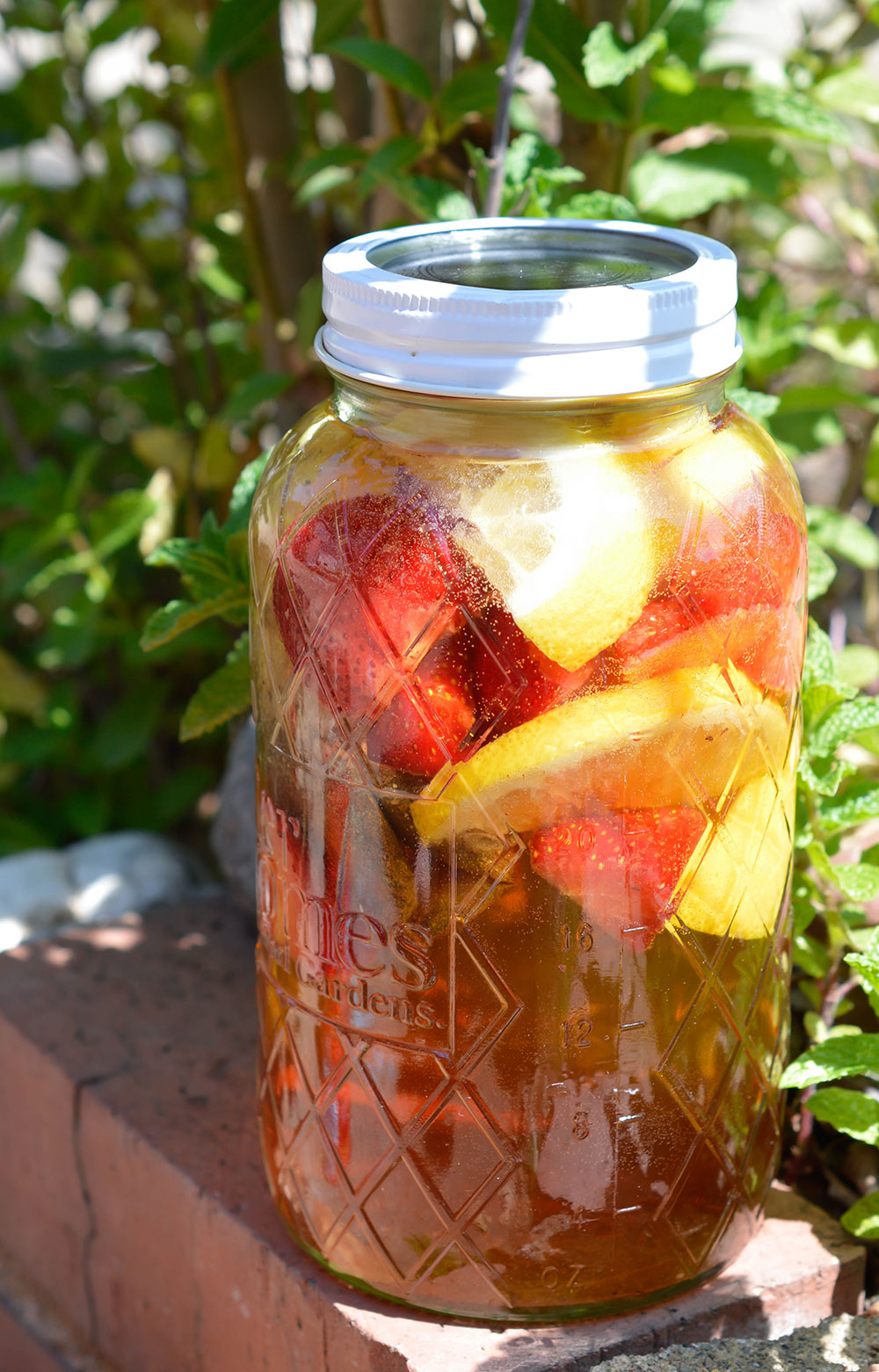 Strawberry Lemonade Sun Tea Recipe Wonkywonderful