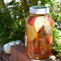 Strawberry Lemonade Sun Tea