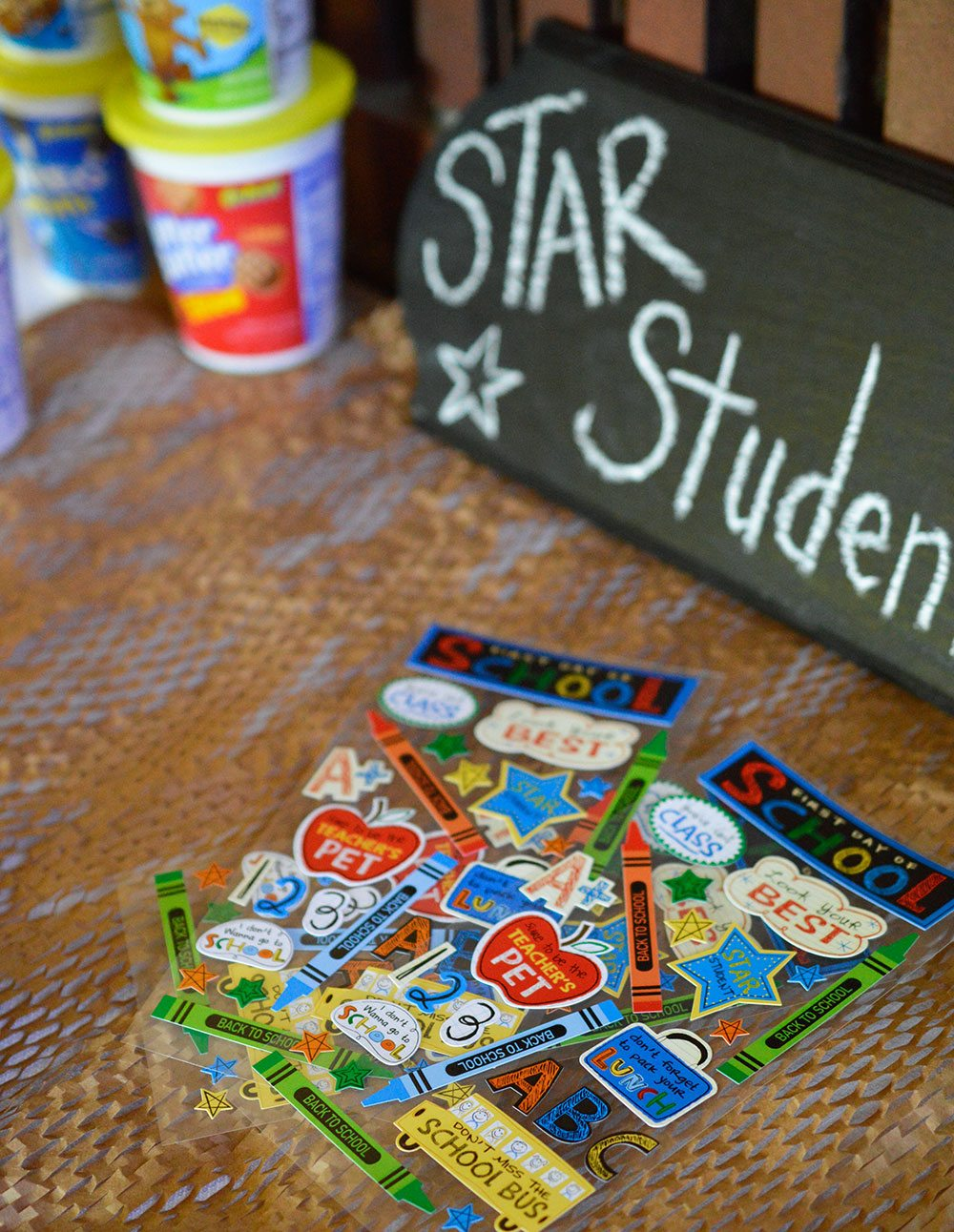 Easy Back To School Party Ideas that the kids will love! Star Student Themed Party