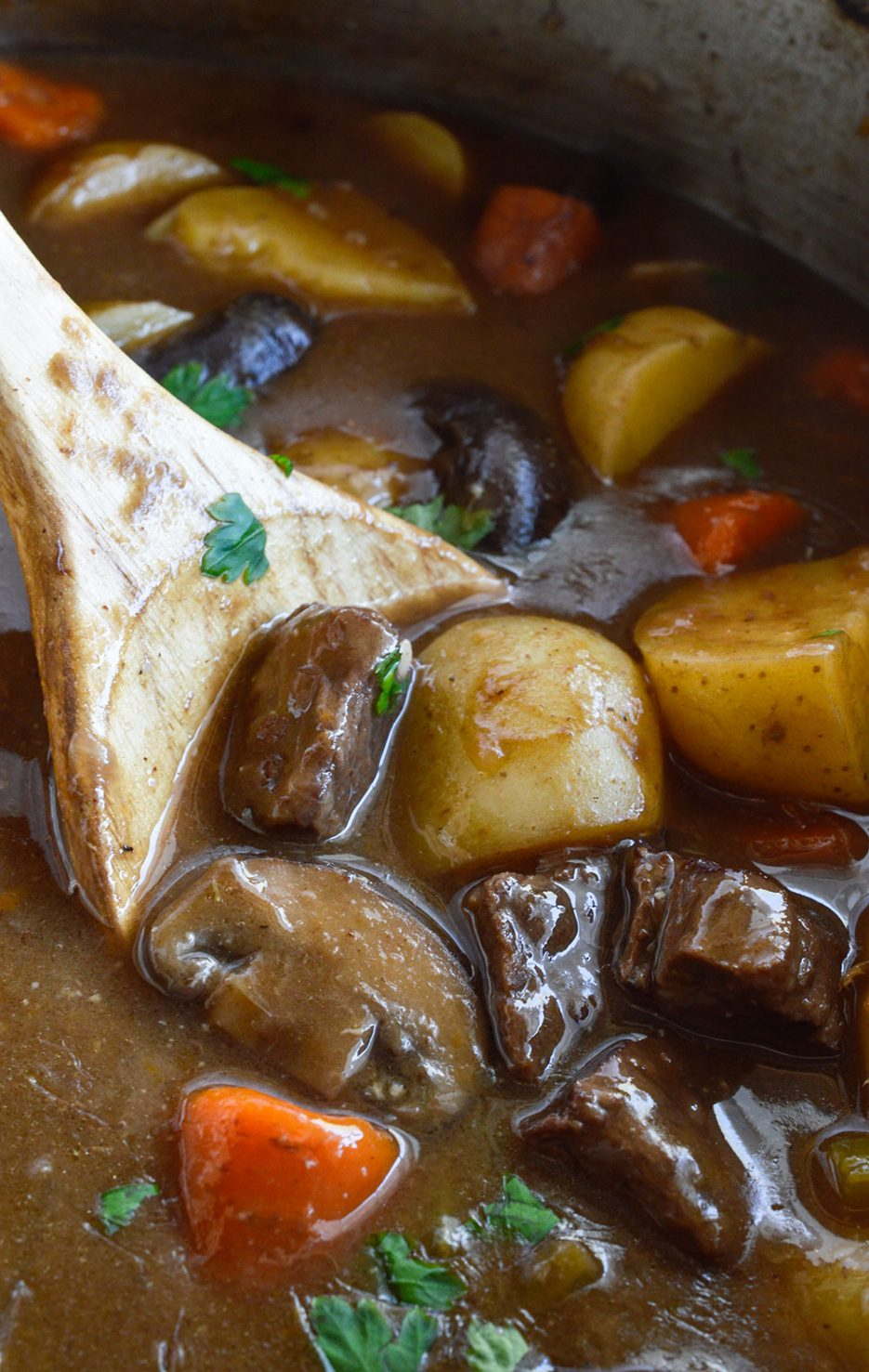 Just In Time For The Cold Winter Months This Easy Beef Stew Recipe Will Warm You Up On The Coldest Day This Hearty Dinner Is Full Of Meat And Vegetables