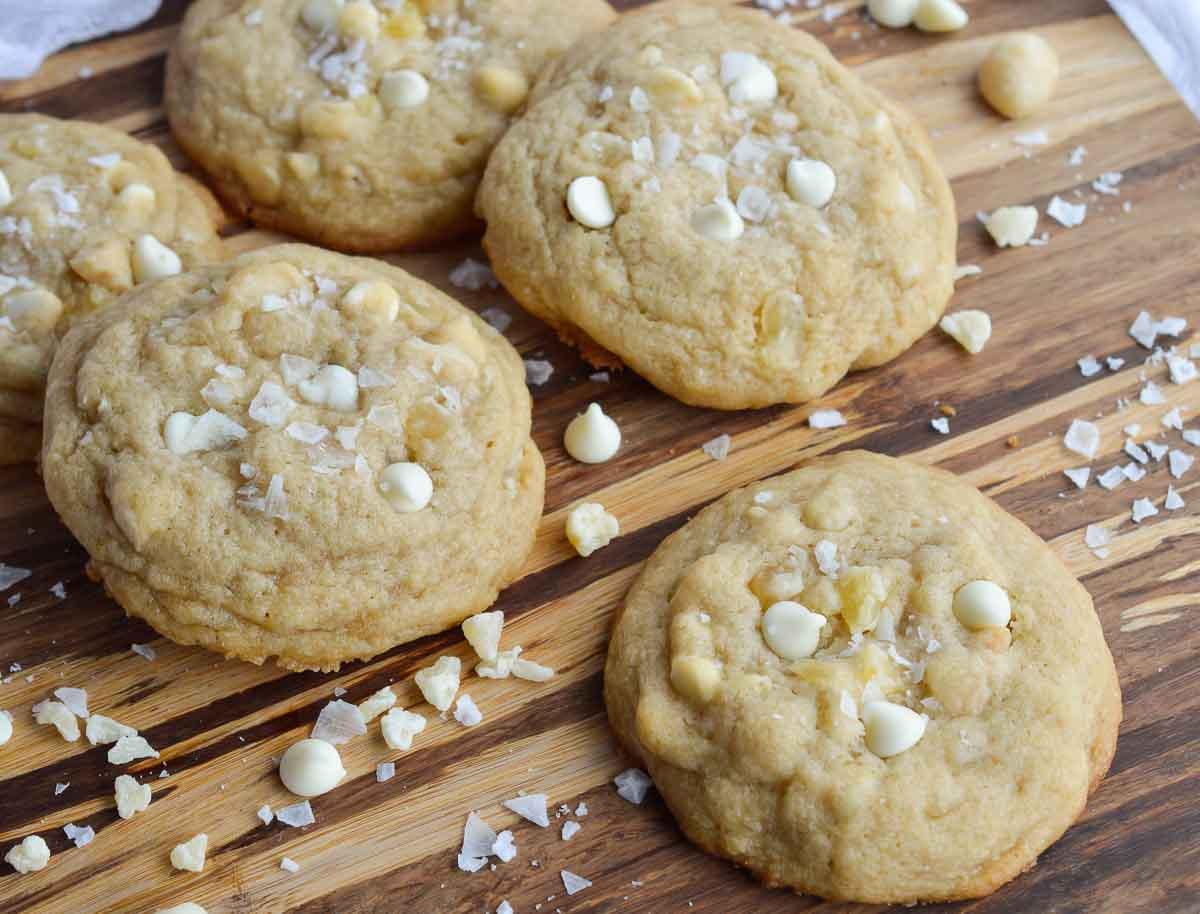 Pineapple White Chocolate Macadmia Nut Cookies - WonkyWonderful
