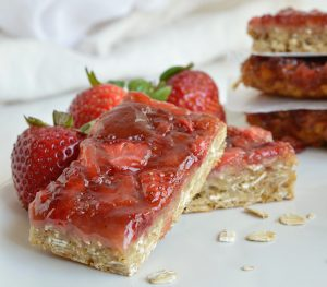 Strawberry Oatmeal Vegan Breakfast Bars