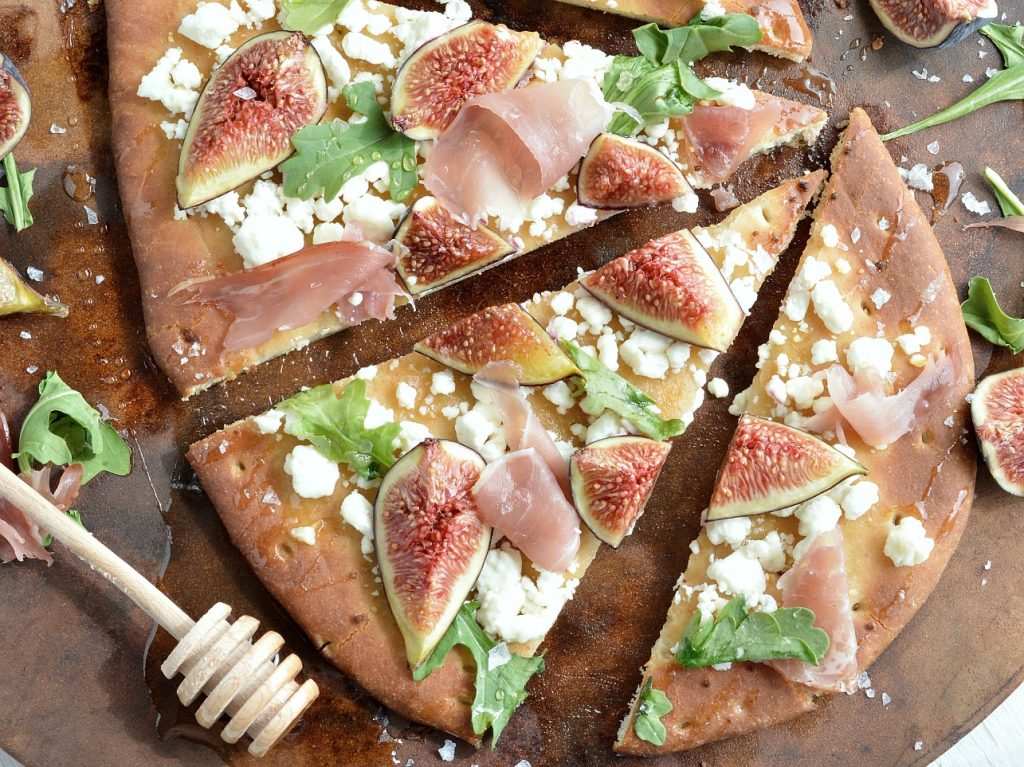 Fig and Prosciutto Flatbread Pizza Recipe