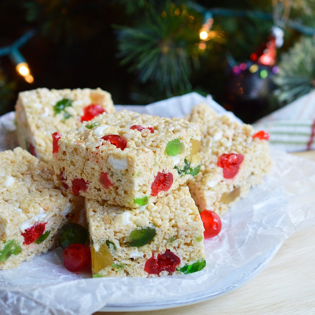 these holiday jeweled krispy treats are great for a last minute christmas or new years dessert