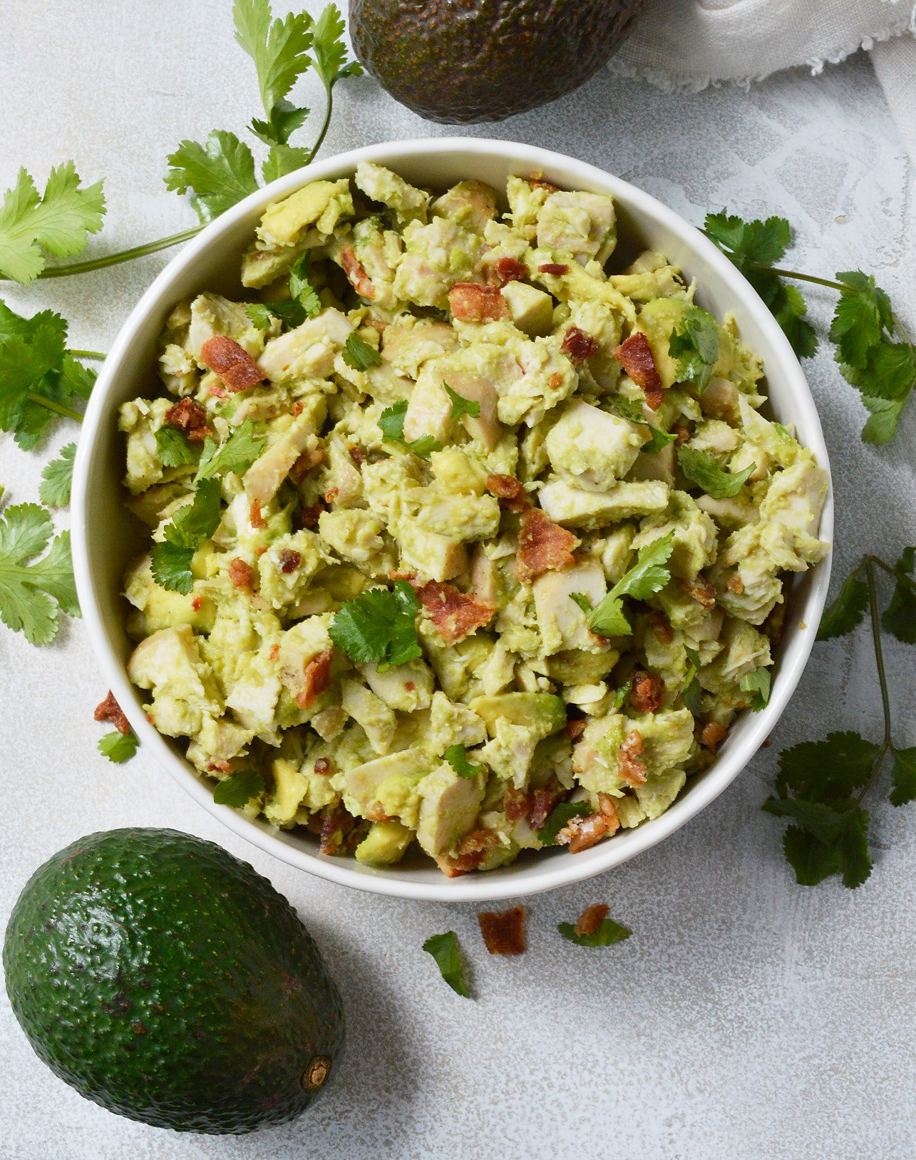 Bacon avocado chicken salad whole30 recipe wonkywonderful wanting to eat healthy and nutritious without giving up your favorite foods this bacon avocado forumfinder Images