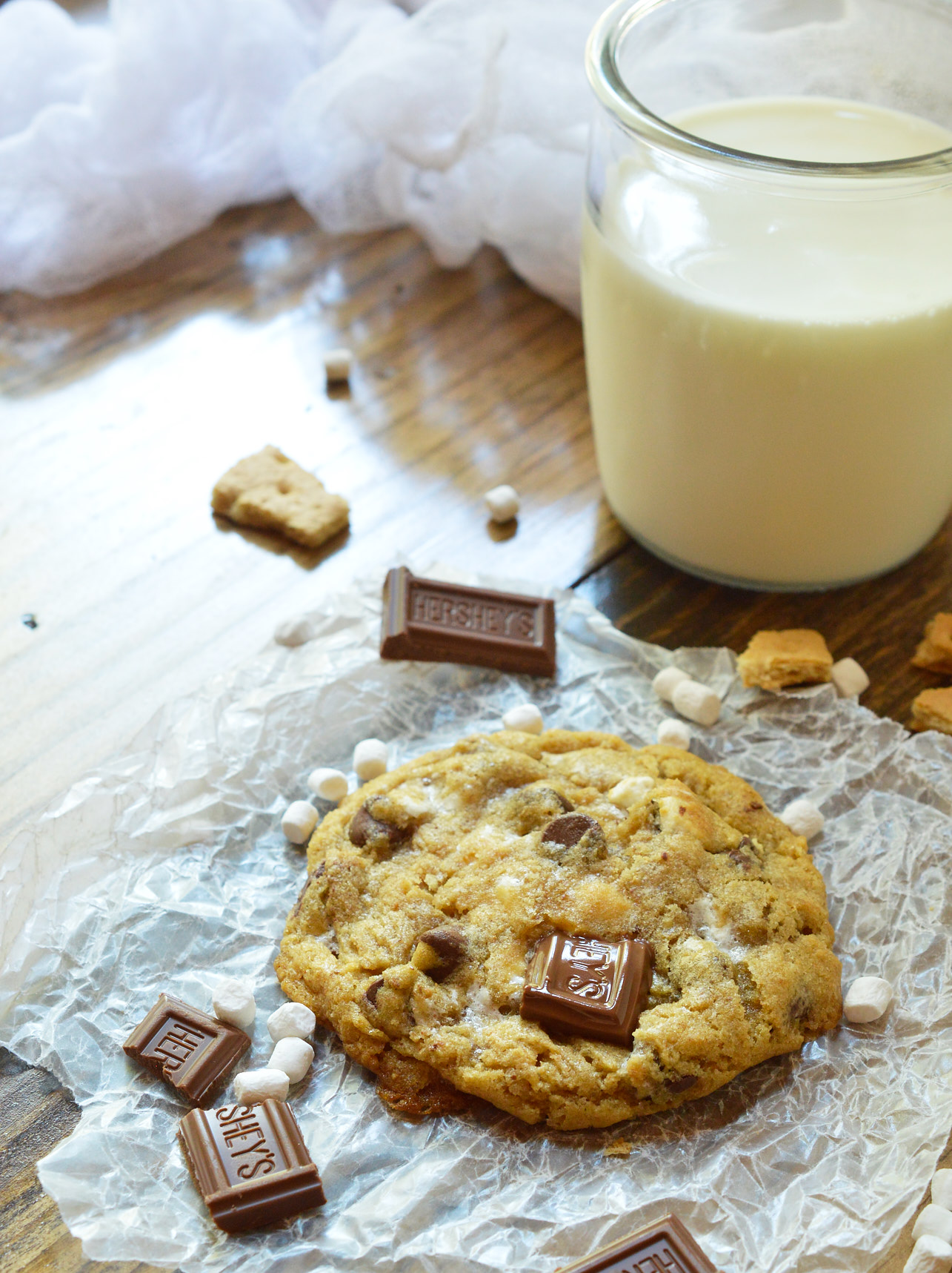 S'mores Chewy Chocolate Chip Cookies - WonkyWonderful