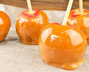 Easy Pumpkin Spiced Caramel Apples Recipe